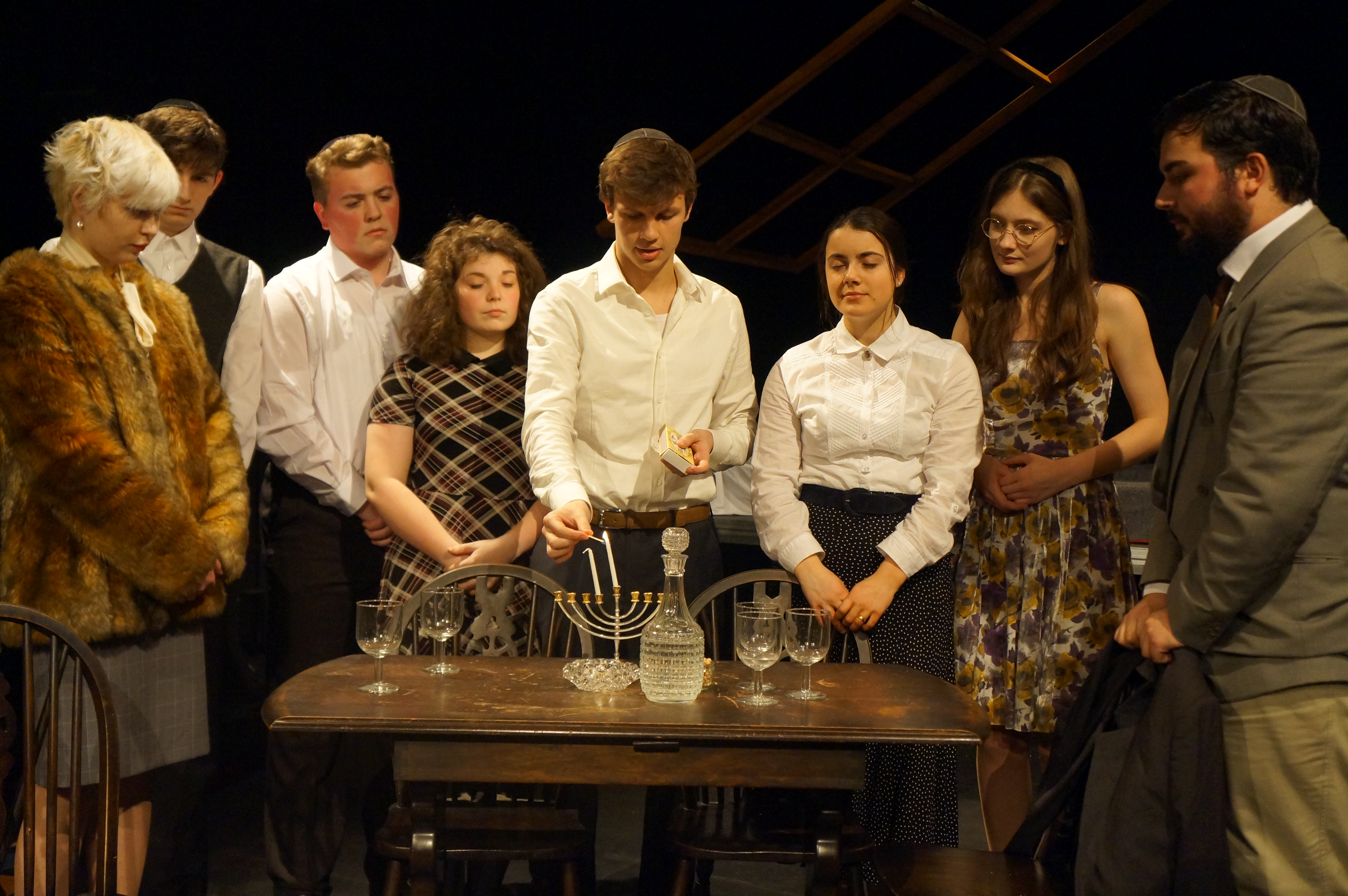 a review of the diary of anne frank Chicagocritic- highly recommended the diary of anne frank is a marvelous work worth another look the blocking and honesty of this cast makes director kimberly senior's production an.
