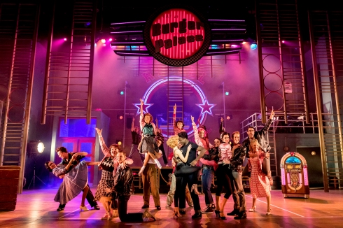 the-cast-of-grease-grease-at-curve-leicester-photo-manuel-harlan-2