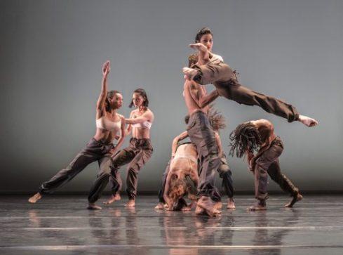 3847-danza-contemporanea-de-cuba-in-matria-etnocentra-photo-johan-persson-530x393