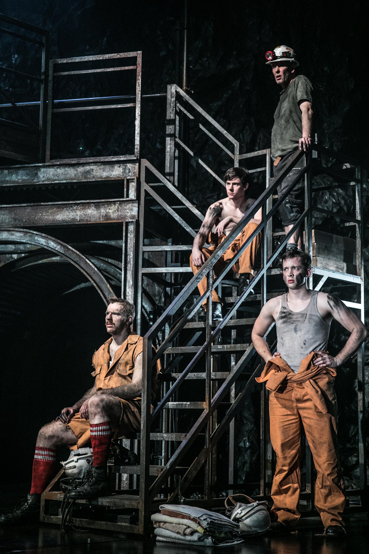 Review: Beth Steel's Wonderland. Nottingham Playhouse. | East Midlands Theatre.