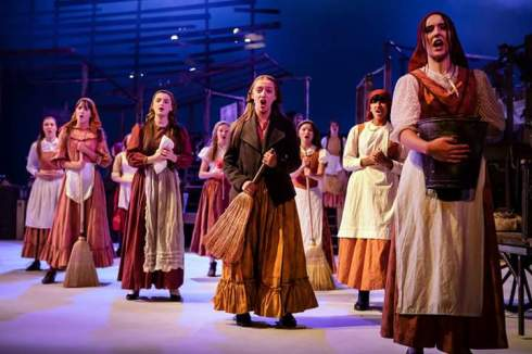 Review Fiddler On The Roof 5 Stars Curve Young Company