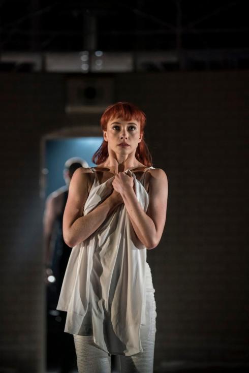 MatthewBourne'sROMEOANDJULIET.CordeliaBraithwaite'Juliet'.PhotoJohanPersson